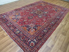 Dreamily beautiful Persian carpet Mashad/Iran 302 x 196 cm, in mint condition, 21st century. Top quality and wool