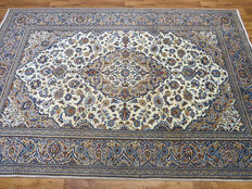Very beautiful Persian carpet Kashan/Iran 298 x 207cm, GREAT CONDITION approx. 10-15 years