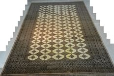 Eye-catcher:  Amazing oriental carpet, Bukhara, 350 x 243 cm, with Taregh signature Late 20th century