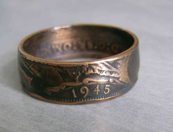 Ring Made Out of a One Penny Coin - Great Britain 1945 - WWII