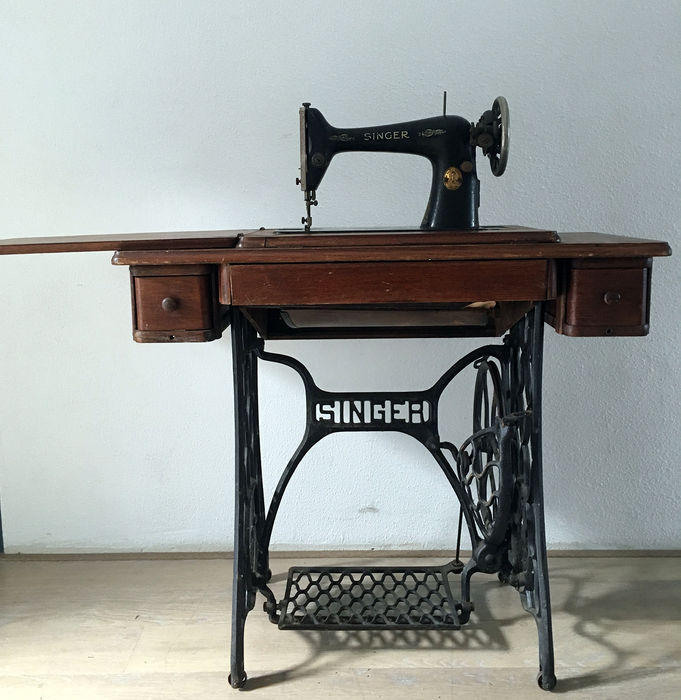 Singer Sewing Machine Model 4040 Wood And Metal 40 Catawiki Classy Metal Singer Sewing Machine