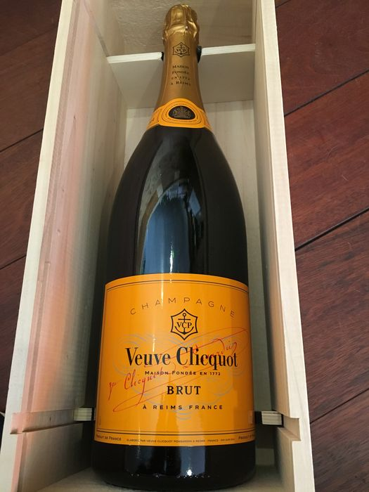 champagne veuve clicquot ponsardin brut 1 jeroboam 3 liter catawiki. Black Bedroom Furniture Sets. Home Design Ideas