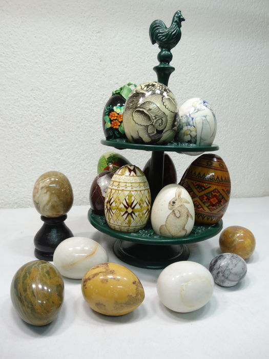 19 Different Types Of Pants: Enamelled Egg Tray With 19 Different Eggs