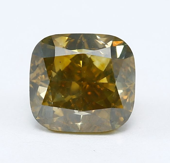 Diamante fancy naturale giallo tendente al verde da 1,41 ct con certificato IGI