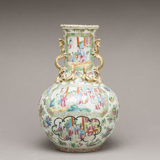 A Big Canton Famille Rose vase - China - 19th century