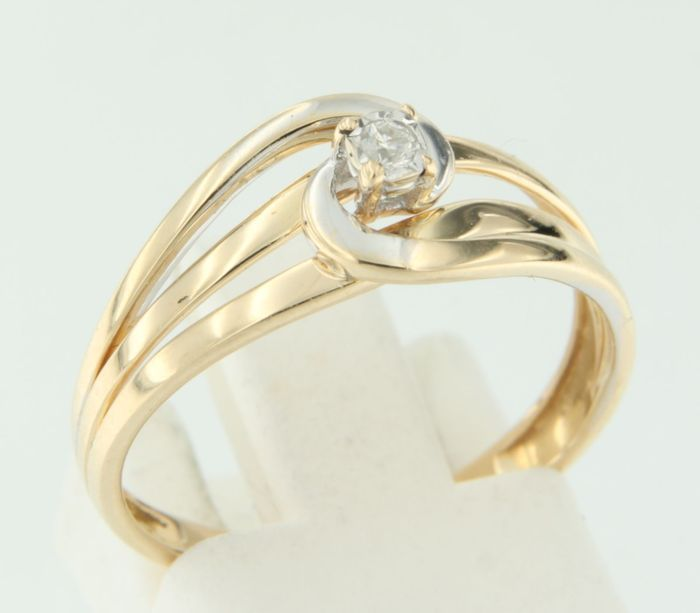 Bi-colour 18 kt gold ring with brilliant cut diamond set – No reserve, from €1.