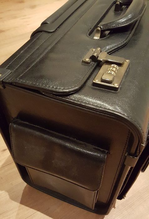 Leather pilots bag