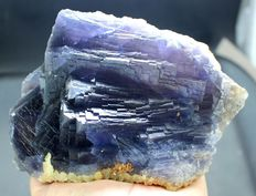 Large Purple Blue Natural Fluorite crystals with stepped faces  - 130 x 99 x 64 mm - 1260gm