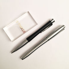 Parker Urban Fountain Pen and Ballpoint pen in brushed steel / matte black with chrome trim ~ NEW