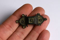 Roman bronze composition plate fibula with glass paste ornament - 45 mm