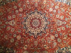 Very beautiful, Indian  hand knotted carpet, 305-200 cm, India, 20th century.