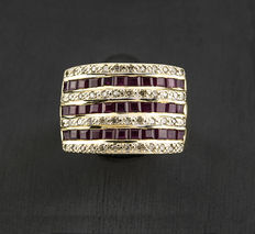 Yellow gold ring with 48 brilliant cut diamonds and 33 square cut rubies