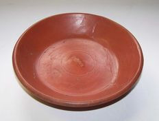 Roman pottery terra sigilatta plate with stamp and graffiti X - Dragendorff 31 - 17.5 x 4.5 cm