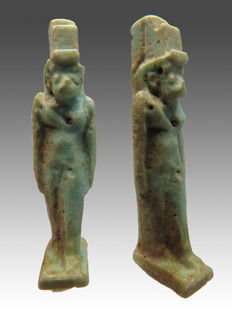 Egyptian faience amulet of the goddess Isis - 31 mm
