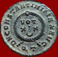 Roman Empire - Constantine I the Great (307 - 337 A.D.) bronze follis (2,75 g. 19 mm.). Ticinum mint, AD 322-325. VOT XX; QT.
