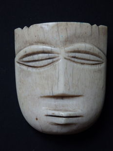 Antique Ikhoko in ivory - PENDE - D.R Congo