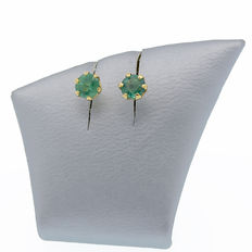 18 kt yellow gold stud earrings with emeralds