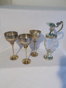 1 Carafe and 3 wine glasses; Silverware from G. Galbiati Italy. Second half of the 20th century.