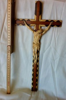 Ivory Crucified Christ on an inlaid wood cross - Italy, 19th C