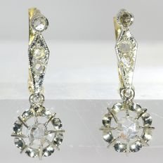 Adorable Art Deco/Interbellum gold earrings with rose cut diamonds, anno 1930
