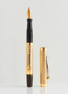 Morrison's: vintage fountain pen: special decor: heavy gold plated 1920