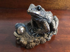 Hallmarked silver Novelty Frog, England, 1994