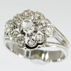 Beautiful white gold fifties ring with diamonds - anno 1950