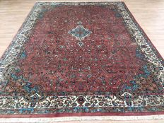 A beautiful SAROUGH Oriental carpet with SILK - approx. 336 x 250 cm - IN VERY GOOD CONDITION