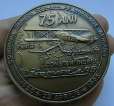 History of Aviation. Big Bronze Medal commemorating to the 90 Years of the First Flight Paris - Constantinople, 1920-1995.