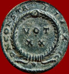 Roman Empire - Constantine I bronze follis (3,06 g. 18 mm). Arles mint, 321. D N CONSTANTINI MAX AVG. VOT XX within wreath. PA in exergue.