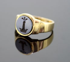 18K Yellow Gold Ring With Seal, Made in 1940's