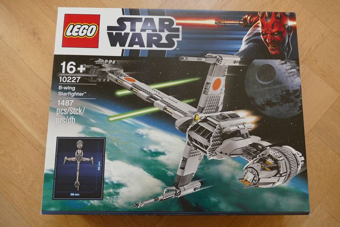 Star Wars - 10227 - B-wing Starfighter - UCS