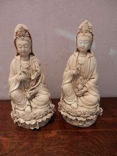Two blanc de Chine Guanyin figurines – China – late 20th century