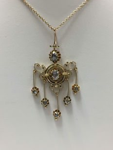 Pendant crafted in the 19th century from gold and diamonds weighing approx. 1.20 ct