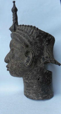 Bronze Commemorative Head of an Ifé Queen Mother - BINI EDO - Benin, Nigeria