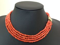 Old-Dutch blood coral necklace - four-rowed - with gold-plated clasp - no reserve price