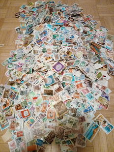 World stamps – Lot of 20,000 stamps