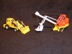 Dinky Toys/Corgi Toys - 1/48 scale - Lot with Muir Hill 2WL Loader No.437 and Priestman 'Cub' Shovel No.1128