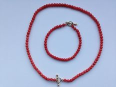 Old Dutch, red coral (children's) set,  with 14 karat gold clasps, no reserve.