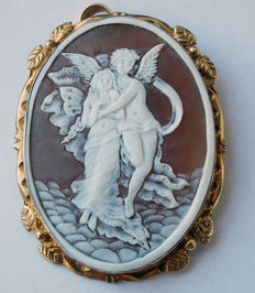 Silver gold-plated Brooch-pendant with a cameo