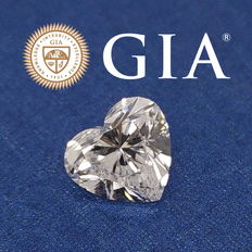 GIA 2.00 ct D  VVS2 – Heart brilliant-cut diamond
