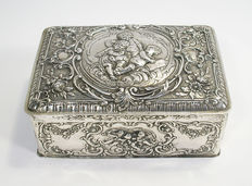 Silver biscuit tin, 19th century