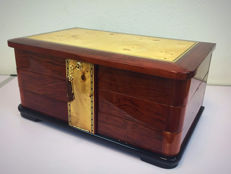 Very large deluxe jewel box of veneered wood with key, late 20th century