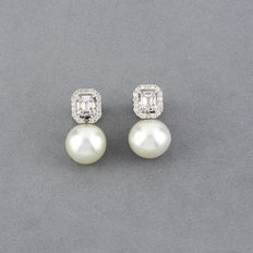 White gold earrings with baguette cut diamonds and South Sea  pearls (Australian).
