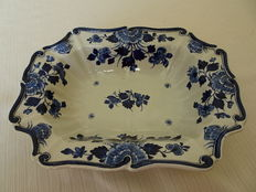 Porceleyne Fles - Nice serving tray with opened up edge, and floral decor
