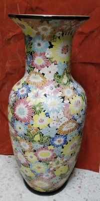 Floral patterned vase (104 cm) - China - late 20th century.