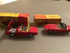"Dinky Toys - Scale 1/43 - Lot with Jaguar ""E"" type No.120 and Triumph Spitfire No.114"
