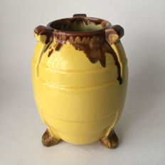 Kennemer Potterij Velsen - vase on 3 legs