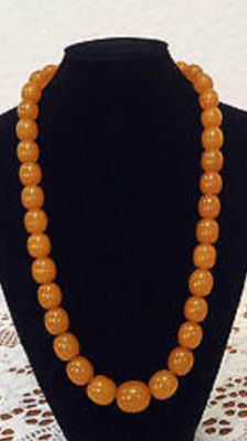 Amber necklace, Baltic butterscotch honey necklace, around 1930