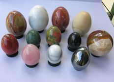 Lot of various mineral Spheres and Eggs - 7 to 5cm - 2.000gm  (12)